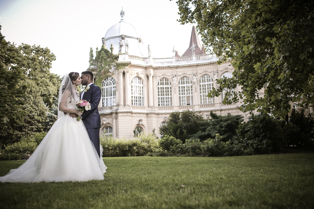 Destination wedding in Budapest